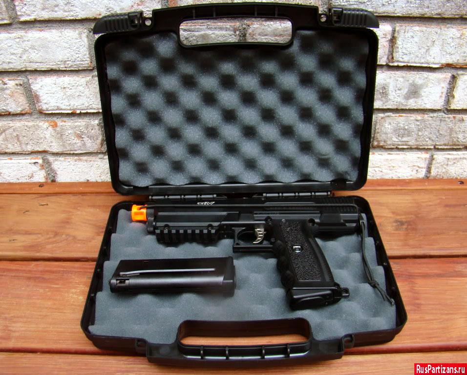Пистолет Tippmann TPX в кейсе для транспортировки